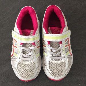 Little Girls Saucony athletic shoes - EUC